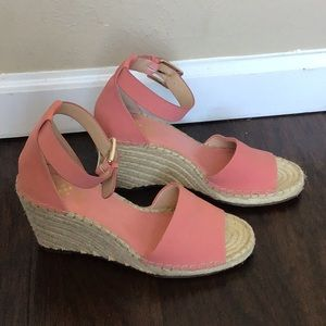 Like New Vince Camuto Pink Suede Wedges
